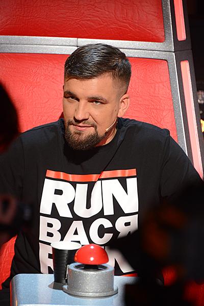 Василий Вакуленко с принтом на футболке